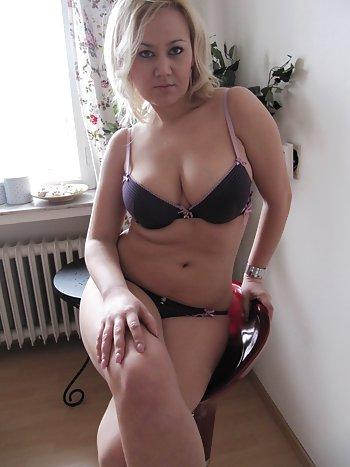 Sexgeile Hausfrau lässt sich spontan privat ficken!