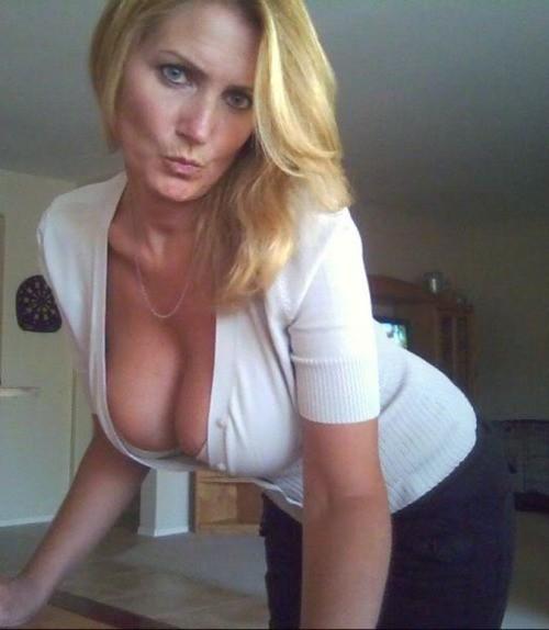 reife Frau sucht heimliches Sexdate