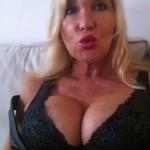 Reife Frau sucht jüngeren Mann und lässt sich tAbulOs ficken
